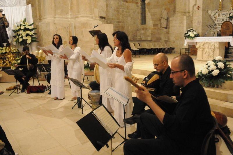"""""""Visionarie, La Primavera di Manfredonia"""": sabato 26 """"la musica e le strade"""", il concerto dei Calixtinus, percorsi sonori in notturna e chiese aperte in musica"""