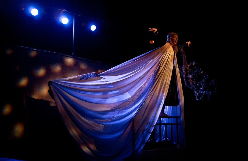 """""""Favolosamente Vera"""", domenica 7 dicembre in scena """"La Bella addormentata"""" della compagnia La Luna nel letto"""