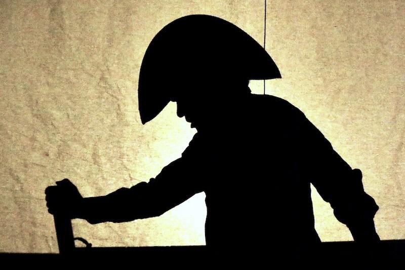 """Il nuovo anno inizia con """"Robinson Crusoe, l'avventura"""" della compagnia Teatro Pirata di Jesi, domenica 4 gennaio per """"Favolosamente Vera"""""""