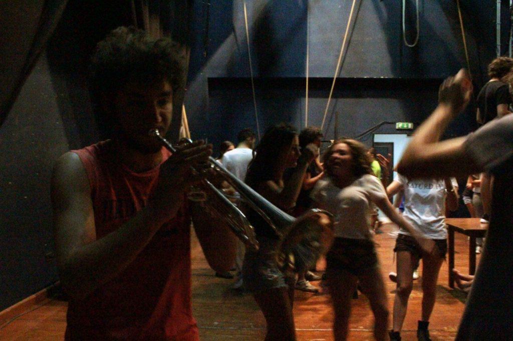 Manfredonia_Appello alla città. La felicità passa dal teatro.