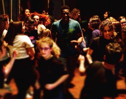 """""""Uccelli"""":successo di partecipazione per il laboratorio teatrale gratuito a cura di Bottega degli Apocrifi con il sostegno dell'Associazione SS. Redentore."""